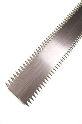 Lame de chemin de fer à dents 3mm x 25mm épaisseur 5/10ème 25ml